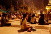yangon-shwedagon-am-abend